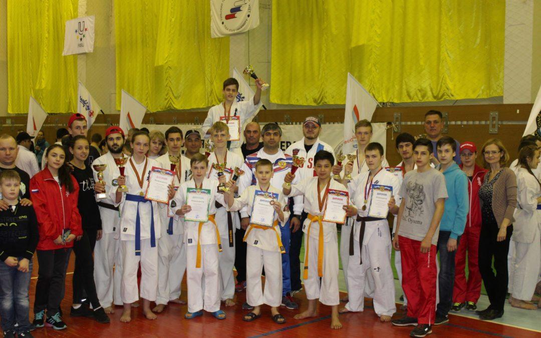 В г. Тула состоялся Открытый Чемпионат и Первенство Тульской области по Киокусинкай Карате, раздел кумите.
